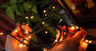Upozorenje-oprezno s božićnim dekoracijama
